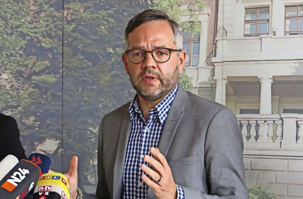 Der Berliner Europastaatsminister Michael Roth kritisiert in einem Brief  an sie Stuttgarter Kultusministerin Susanne Eisenmann, dass der Englisch- und Franzöischunterricht an den Grundschulen später anfangen soll. Foto: dpa