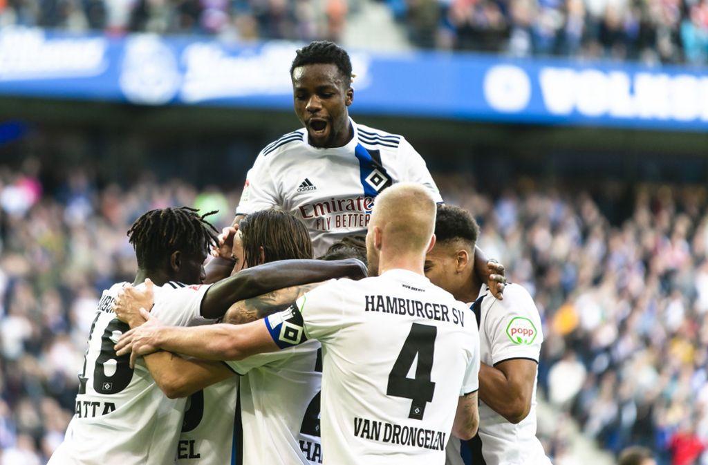 Sechs Mal durfte der HSV gegen den VfB jubeln. Foto: dpa/Frank Molter