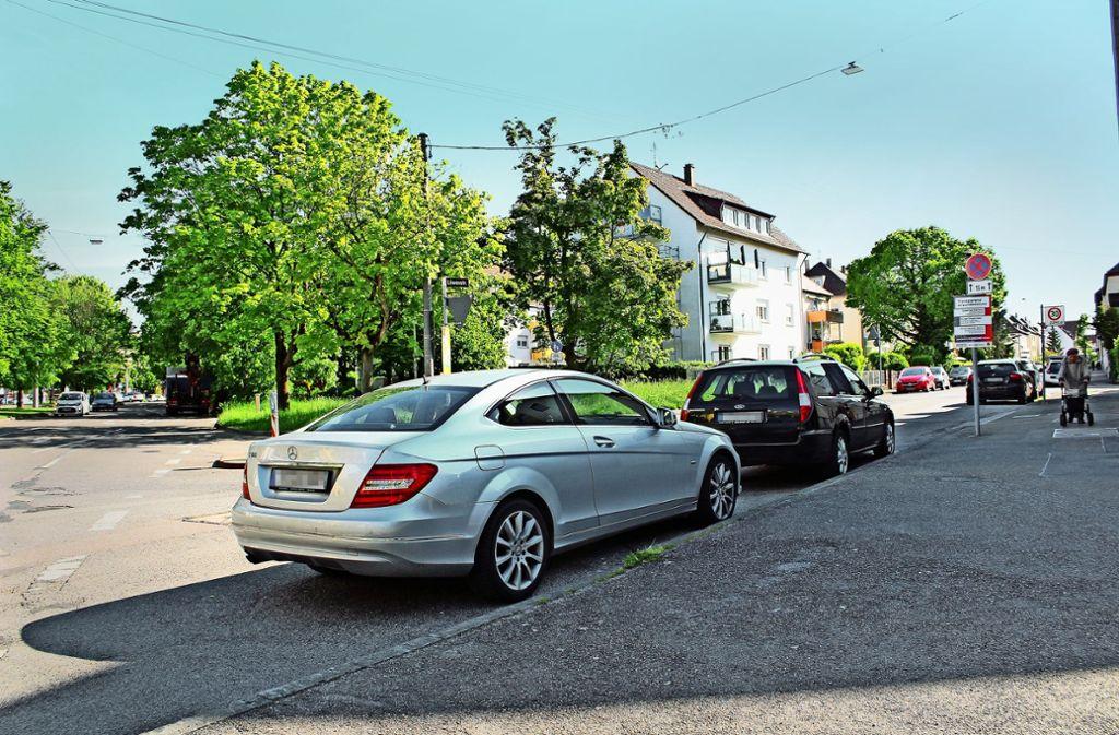 An diese Stelle (Alb-/Ecke Löwenstraße) sollen zwei Kurzzeitparkplätze kommen. Foto: Baur