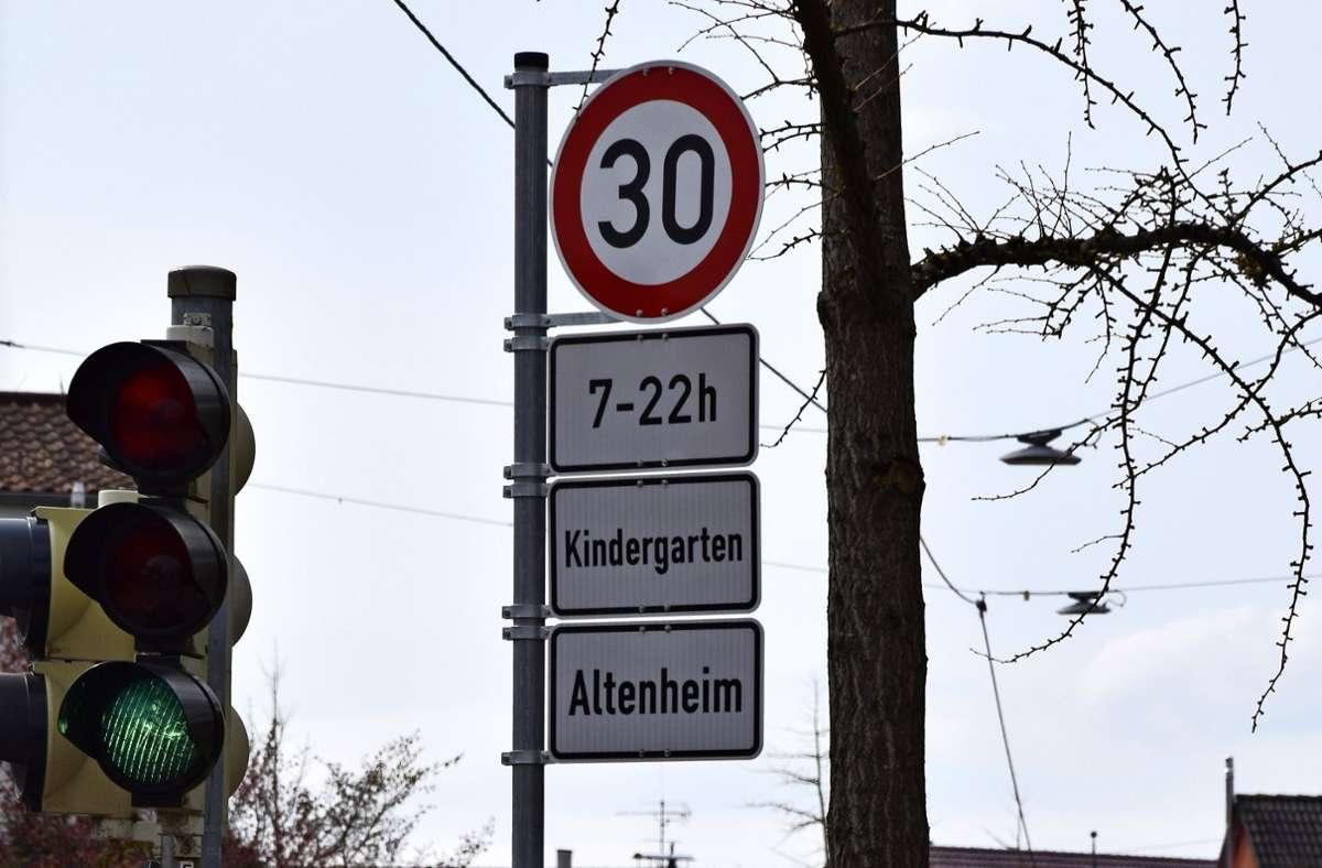 Auf der Laustraße gilt Tempo 30 – aber nur eingeschränkt. Foto: Alexandra Kratz
