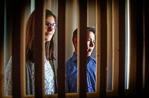 Janna Beigel und Rahmatullah Nazari im Containergefängnis Foto: Gottfried Stoppel