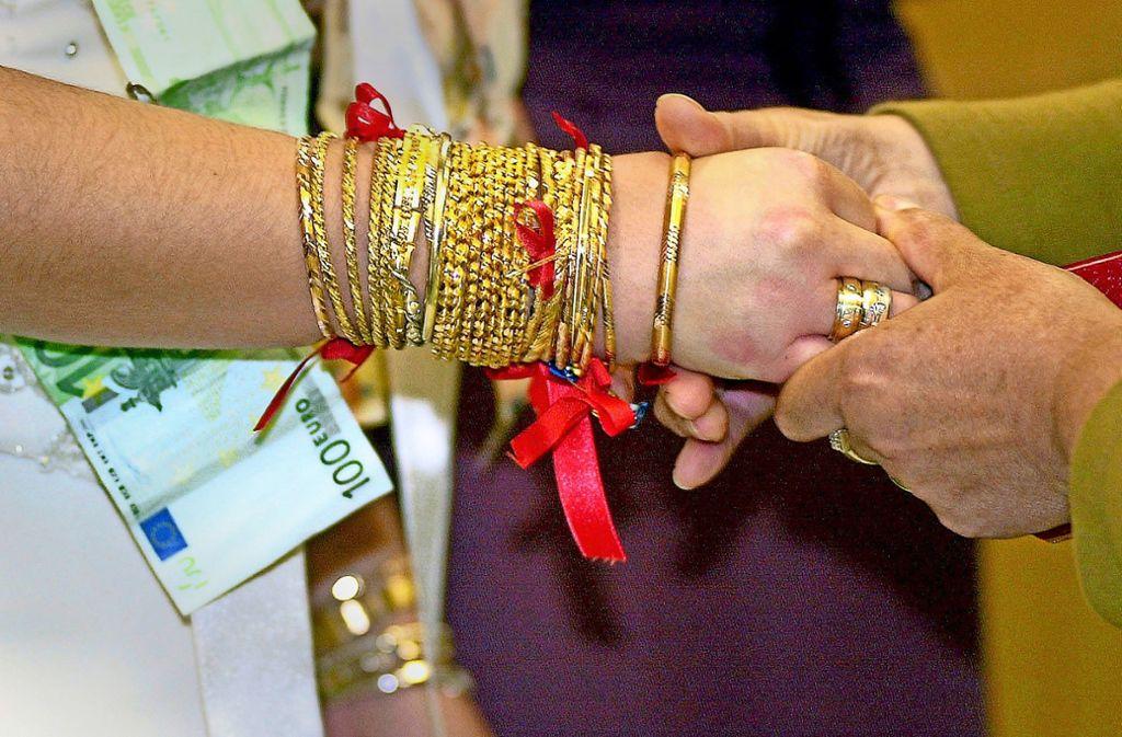 Türkische Hochzeiten sind ein Ereignis. Foto: epd