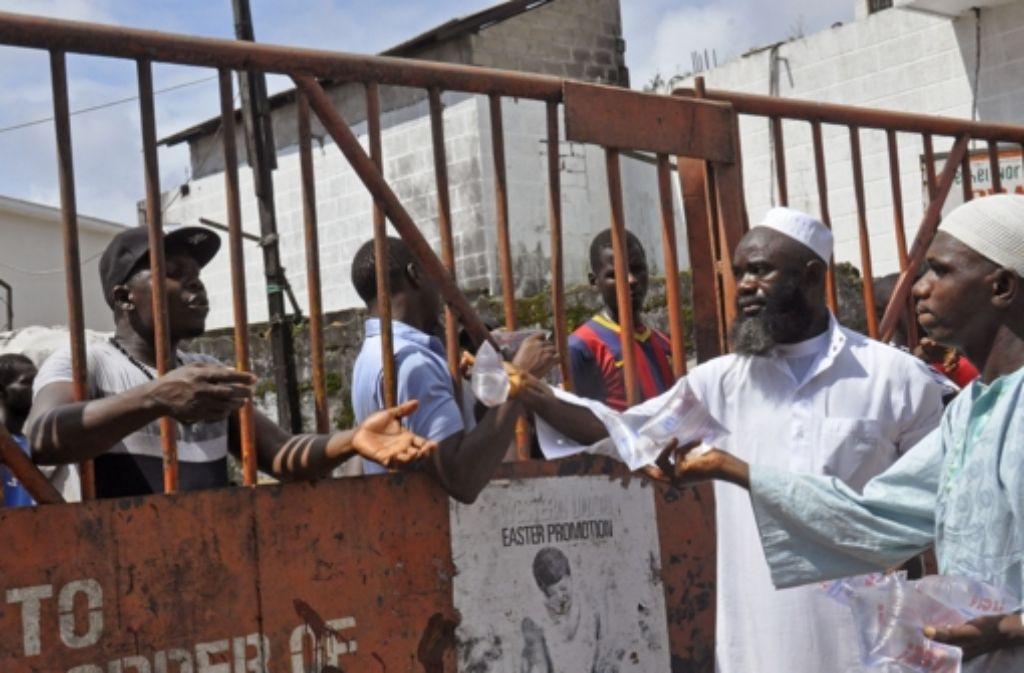 Ebola hat selbst auf diejenigen Menschen Auswirkungen, die nicht damit infiziert sind.  Foto: AP