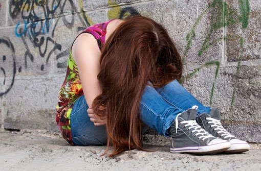 Mädchen verprügeln Mitschülerin