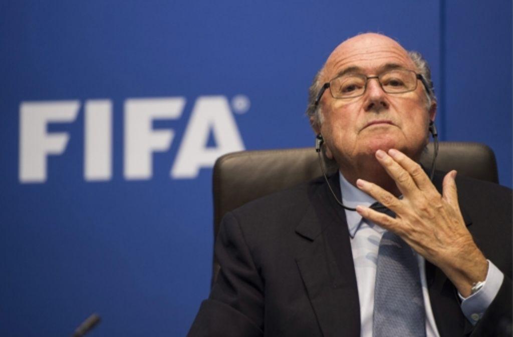 Sepp Blatter lässt sich als Fifa-Boss nicht von seinem Kurs abbringen. Foto: dpa