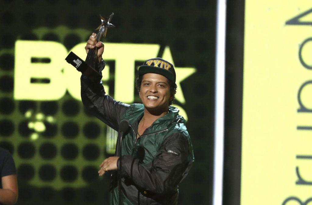 Bruno Mars und Beyoncé Knowles gelten als Favoriten bei der Verleihung der diesjährigen BET Awards – und räumen beide ab. Foto: Invision