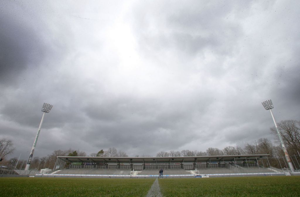 Im Gazi-Stadion auf der Waldau rollt bis auf weiteres kein Ball. Foto: Baumann
