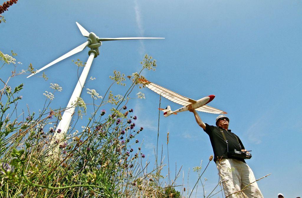 Rund drei Jahre lang galt das generelle Flugverbot für Modellflugzeuge am Grünen Heiner. Nun soll es wieder aufgehoben werden. Ein Verein regelt künftig den Flugbetrieb. Foto: Archiv  cl