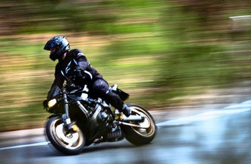 Sind Schlaglöcher für Motorradfahrer gefährlich?