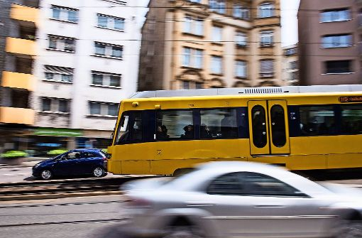 Auch für Stadtbahnen sollen demnächst sämtliche Fahrplan- und Pünktlichkeitsdaten im Netz frei verfügbar sein. Foto: dpa