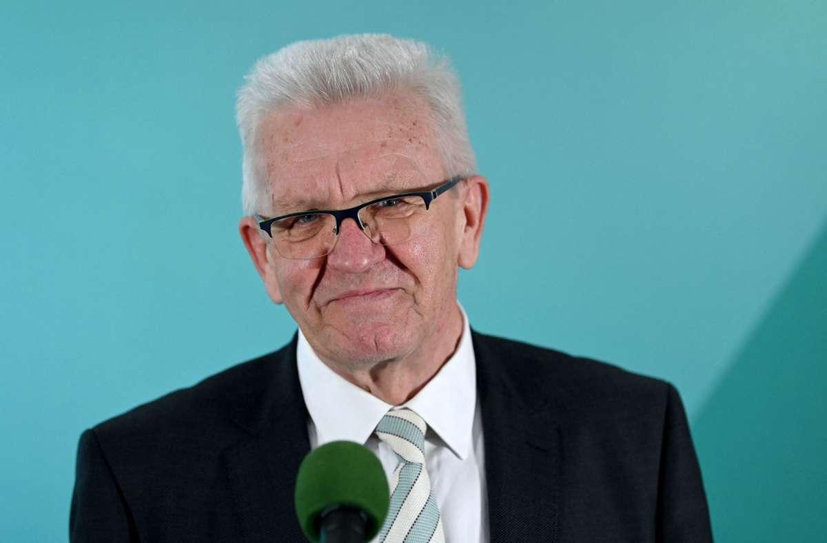 "Winfried Kretschmann nannte das Gespräch mit der CDU im Anschluss ""gut"". (Archivbild) Foto: AFP/MARIJAN MURAT"