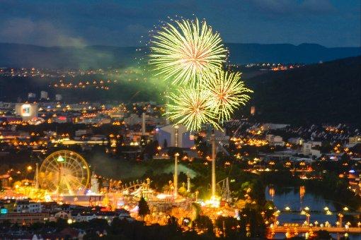 Spektakuläres Feuerwerk beendet dreiwöchige Sause