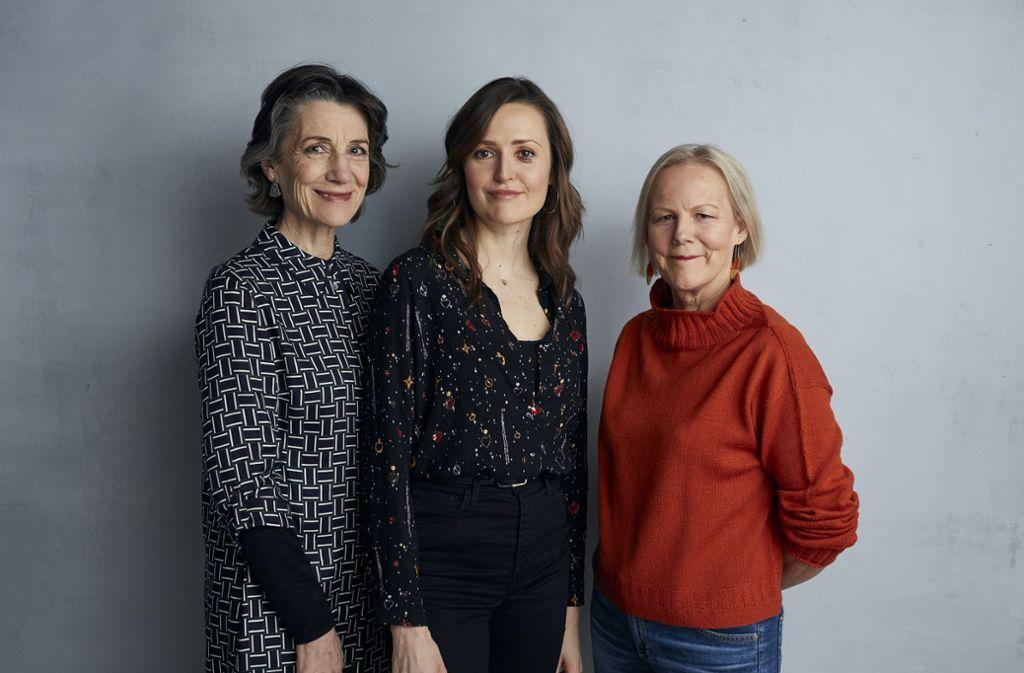 Die Schauspielerinnen Harriet Walter und  Clare Dunne mit der Regisseurin  Phyllida Lloyd (von links) am vergangenen Freitag beim Sundance-Festival Foto: AP/Taylor Jewell