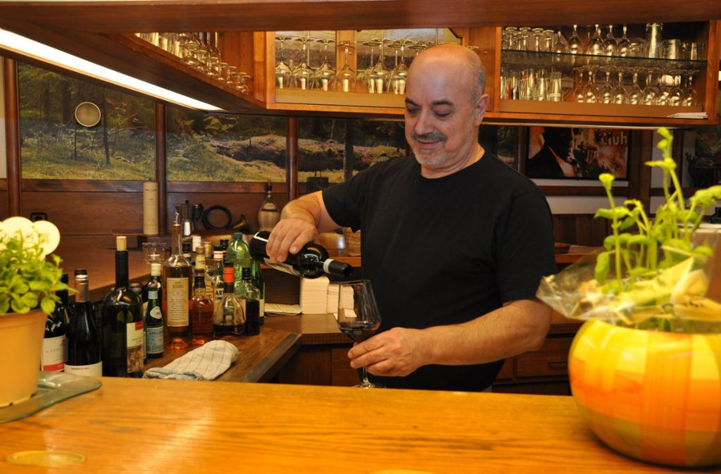 Francesco Pagano (60) ist ein echter Neapolitaner, der bei Mama in der Großfamilie das Kochen gelernt hat. Foto: Claudia Leihenseder