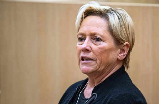 Kultusministerin Eisenmann fordert Zentralabi