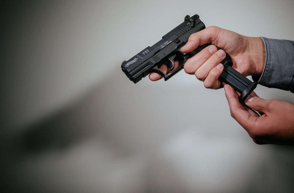 In Tschechien sind bislang 900000 legale Schusswaffen registriert. (Symbolfoto) Foto: dpa/Oliver Killig