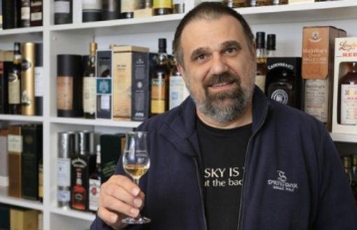 Eine Galerie in Filderstadt mit 600 Whisky-Sorten