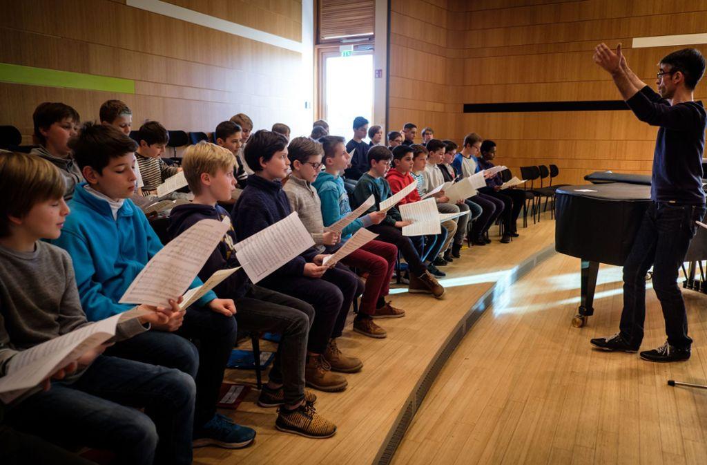 Michael Culo beim Proben mit dem collegium iuvenum Foto: Lichtgut/Achim Zweygarth