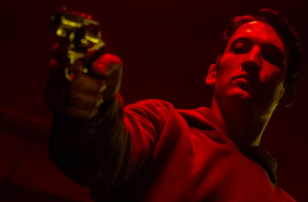 "Szenenbild aus ""Too old to die young"" Foto: Amazon Prime Video/Scott Garfield"