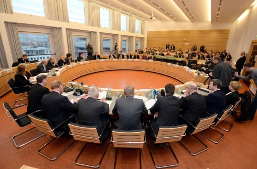 Der NSU-Untersuchungsausschuss im Rathaus in Stuttgart. (Archivfoto) Foto: dpa