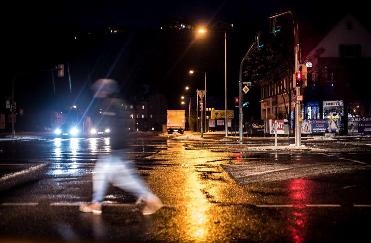Nachts ist in den Straßen wenig los – auch in Stuttgart. Foto: Lichtgut/Max Kovalenko/Lichtgut