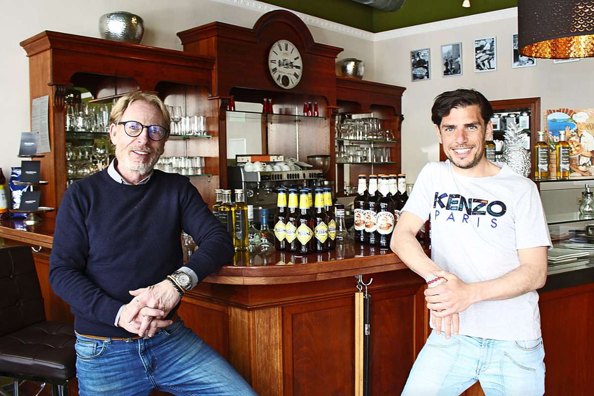 Wirt Fabio Meli (links) hat die Konzeption für das Lokal geändert, außerdem ist sein jüngerer Bruder Flavio eingestiegen Foto: Caroline Holowieck