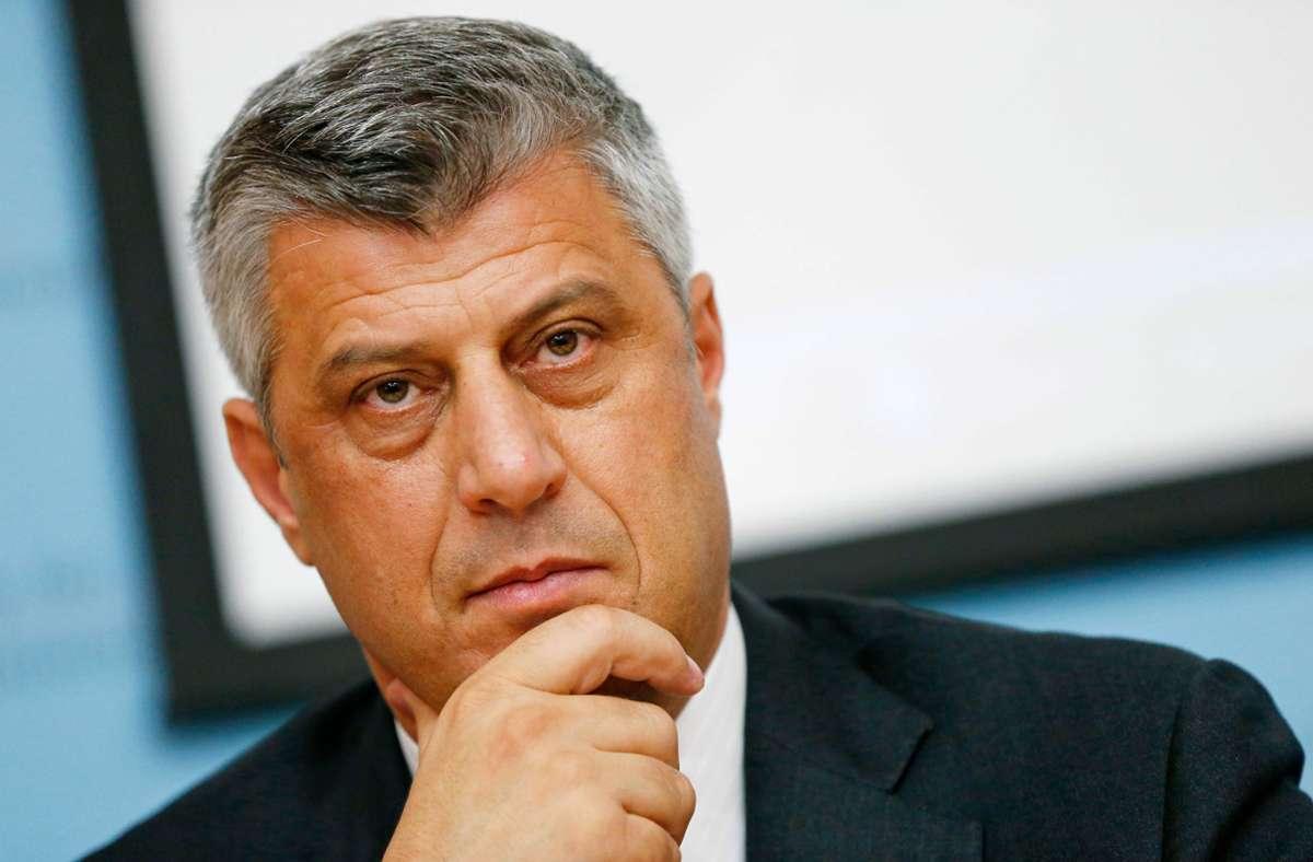 Dem Präsidenten des Kosovo werden unter anderem Verbrechen gegen die Menschlichkeit im Zusammenhang mit dem Kosovo-Krieg vorgeworfen. (Archivbild) Foto: AFP/ALEXANDER KLEIN