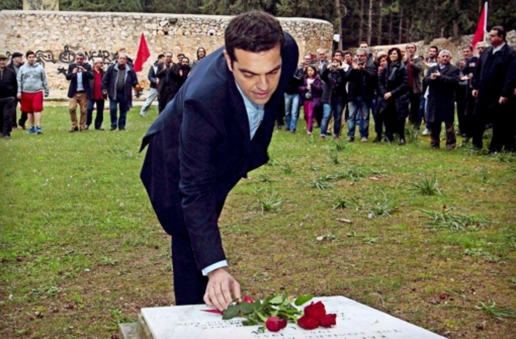 Tsipras gedenkt in Kesariani der von Nazis getöteten Widerstandskämpfer. In der Bilderstrecke stellen wir die neue griechische Regierung vor. Foto: dpa