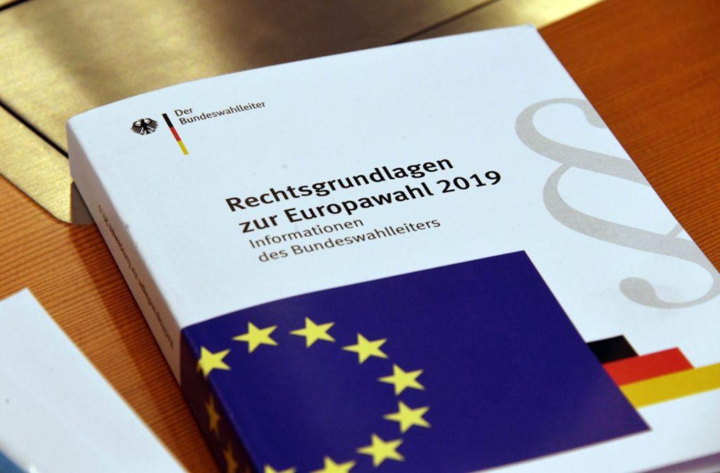 Die Oppositionsparteien Grüne, Linke und FDP hatten einen Eilantrag in Karlsruhe gestellt, damit die betroffenen Menschen an der Wahl am 26. Mai teilnehmen können. Foto: dpa