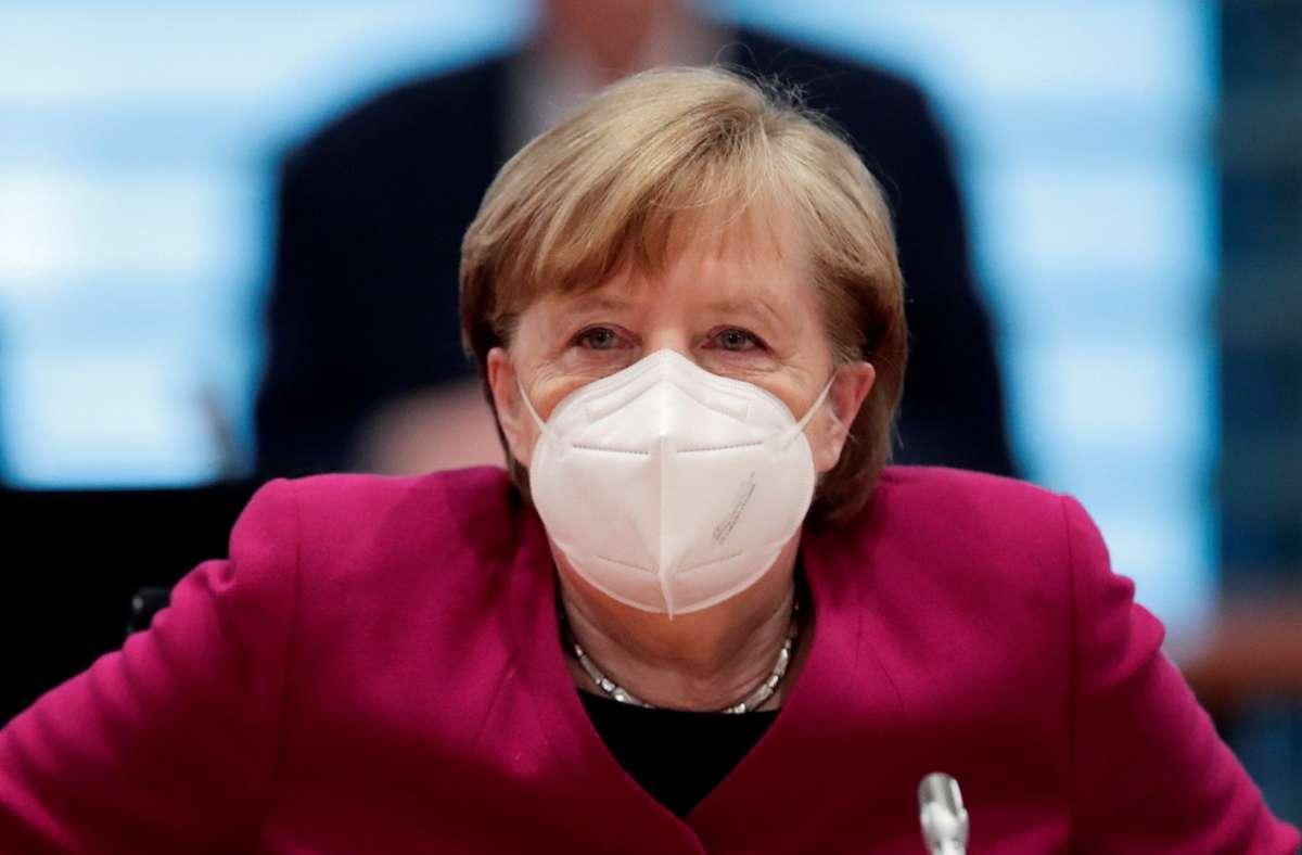 """""""Mit unserem Verhalten können wir das starke Wachstum der Infektionszahlen wieder bremsen, stoppen und dann umkehren. Auch darum geht es an Ostern in diesem Jahr"""", sagte Merkel in ihrem am Donnerstag verbreiteten Video-Podcast. Foto: dpa/Hannibal Hanschke"""