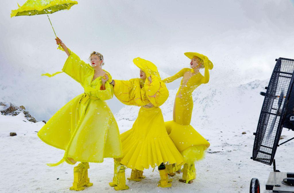 Für die Kandidatinnen eine große Herausforderung: In der zweiten Folge von Germany's Next Topmodel mussten sie sich einem Schneesturm stellen. Foto: ProSieben/Richard Hübner
