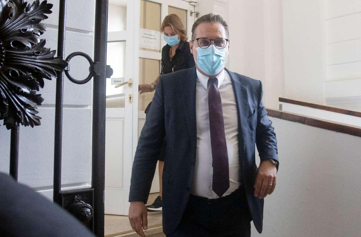 Heinz-Christian Strache ist wegen Bestechlichkeit schuldig gesprochen worden. Foto: AFP/ALEX HALADA