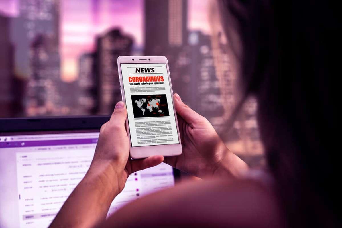 Gefangen in der Nachrichtenspirale. Foto: Alex Ruhl / shutterstock.com