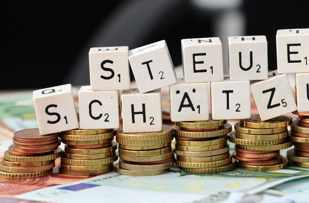 Steuerschätzer rechnen damit, dass Bund, Länder und Kommunen bis zum Jahr 2021 54,1 Milliarden Euro mehr Steuereinnahmen bekommen werden als bisher gedacht. Foto: dpa