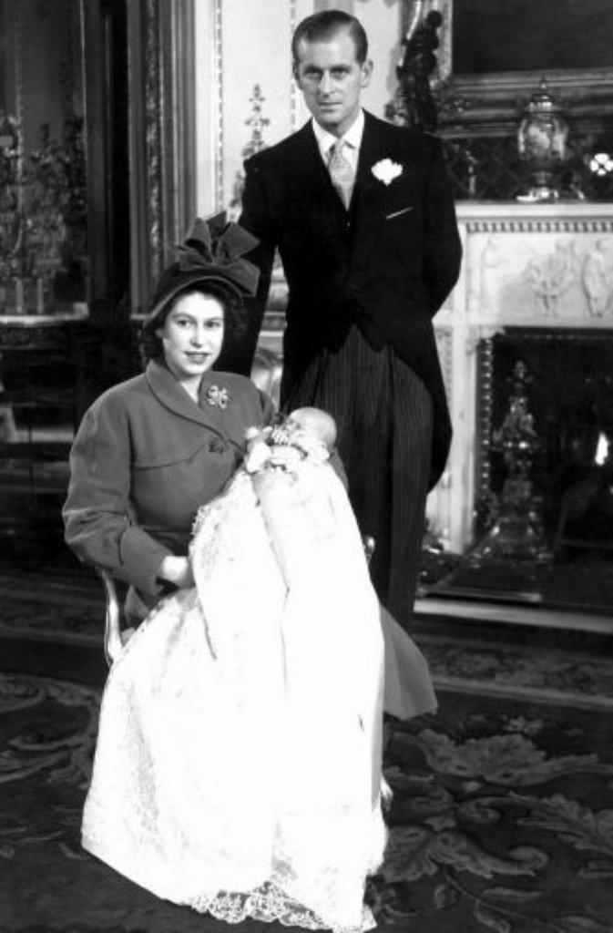 Doch Die Kronprinzessin Besteht Auf Die Ehe Mit Philip, Der Mit Der Hochzeit  Seinen Deutschen