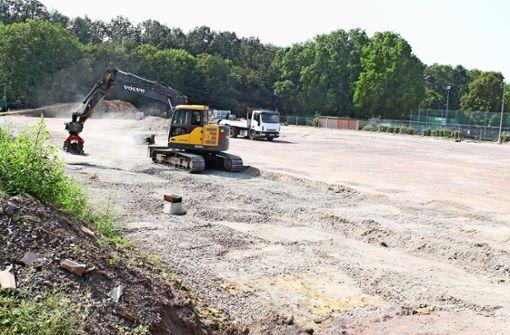 Kunstrasenplatz soll im September  fertig sein