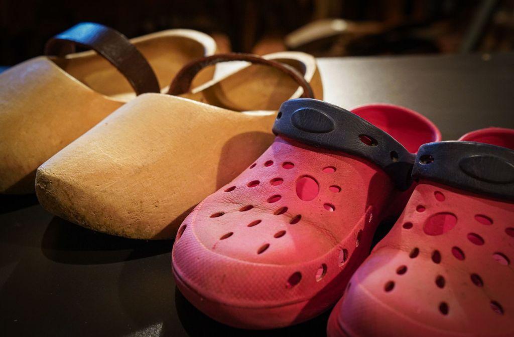 Leichter, bequemer – und aus Plastik: auch bei Schuhen kommt mittlerweile Kunststoff zum Einsatz. Foto: Edgar Layher/Edgar Layher