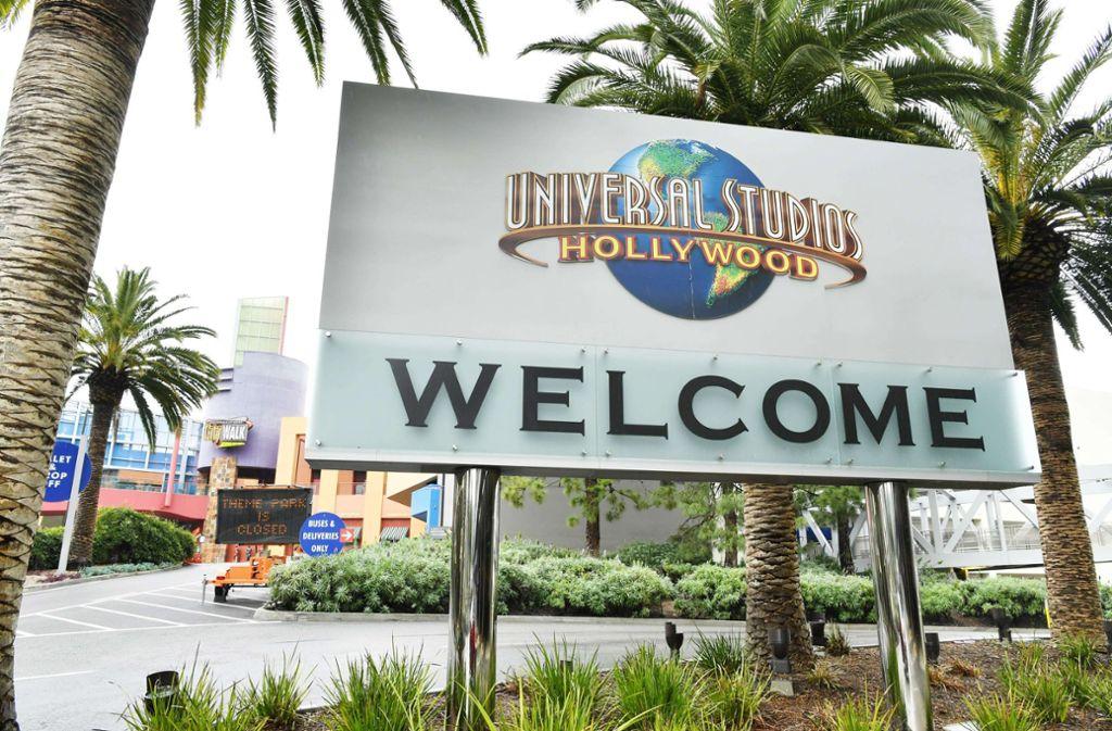 Die Universal Studios in Hollywood: Der beliebte Themenpark ist wegen Corona bereits geschlossen. Foto: AFP/Amy Sussman