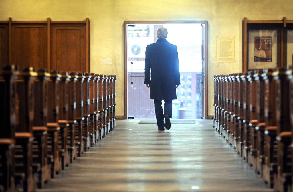 Ob finanzielle oder persönliche Gründe: Viele Kirchenmitglieder erwägen einen Austritt. Doch dabei gilt es, einiges zu beachten. Foto: dpa/Symbolbild