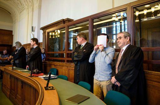 Raser wegen Mordes zu lebenslanger Haft verurteilt