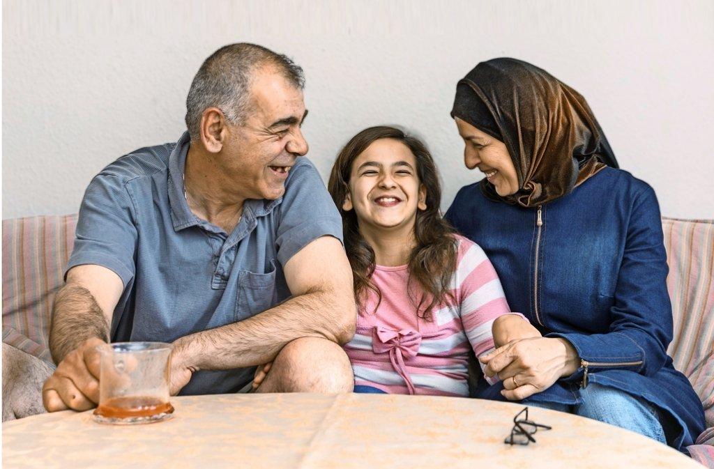 Dem Krieg entronnen und neu durchgestartet:  Nidal, Fatima und Shadia Haroun (von links) sind in Weil der Stadt glücklich. Foto: factum/Weise