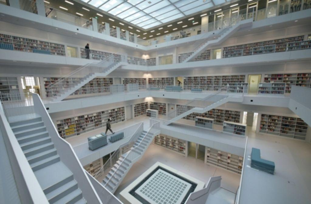 In der neuen Stadtbibliothek gibt es eine neue Panne: die automatischen Eingänge funktionieren nicht korrekt. Foto: dpa
