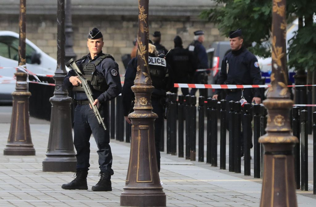 Oppositionspolitiker fordern nun einen Untersuchungsausschuss zu der Messerattacke. Foto: AP/Michel Euler