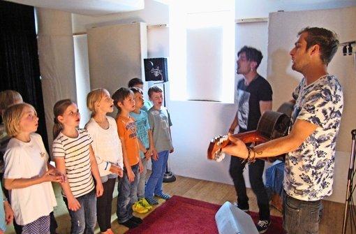 Kids singen mit den Kids