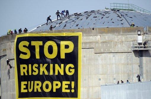 Greenpeace-Aktion am Pannenreaktor