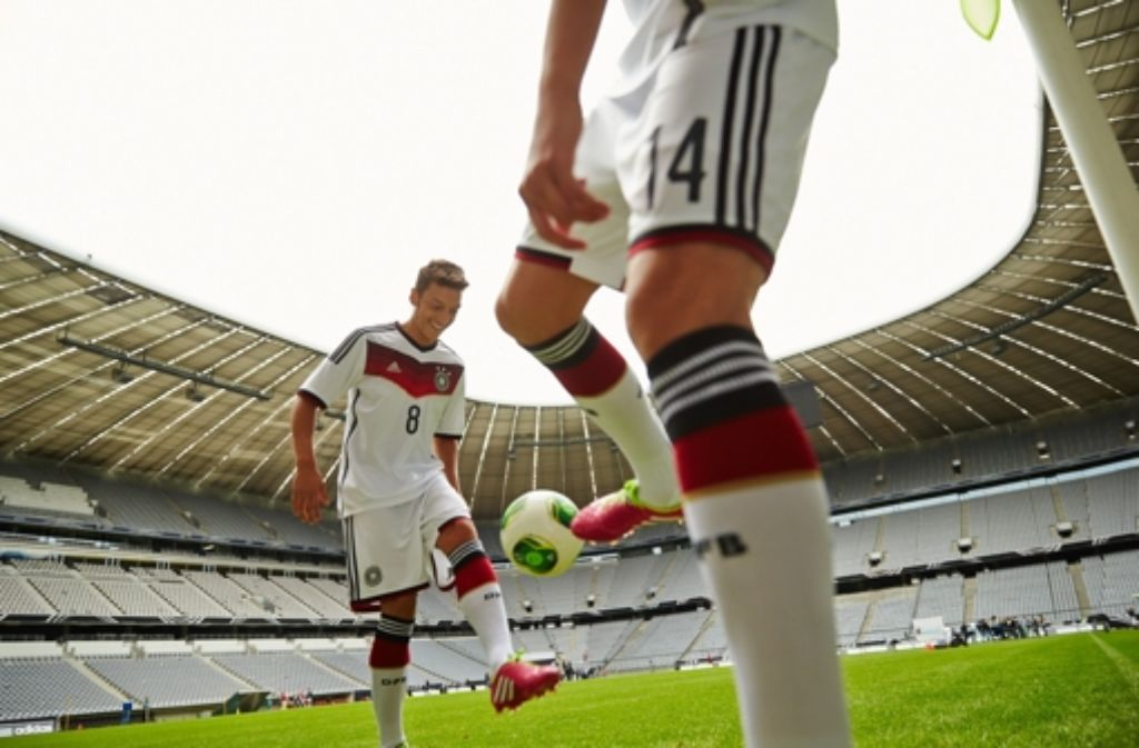 Nun ist es offiziell: Dieses Trikot tragen ab sofort die deutschen Nationalspieler und ... Foto: adidas