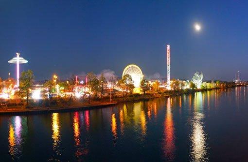 Stuttgarter Frühlingsfest bei Nacht