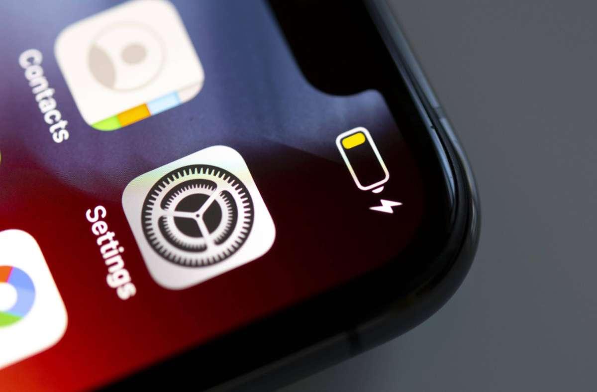 Viele Nutzer klagen nach dem Update auf iOS 14.6 über Akku-Probleme. (Symbolbild) Foto: imago images/imagebroker/imageBROKER/Valentin Wolf via www.imago-images.de