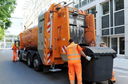 Immer auf Achse: 1,32 Millionen Tonnen Hausmüll wurden 2015 in Baden-Württemberg abgeholt Foto: dpa