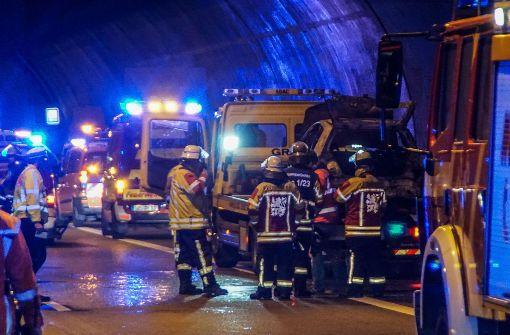 Brennendes Auto im Engelbergtunnel